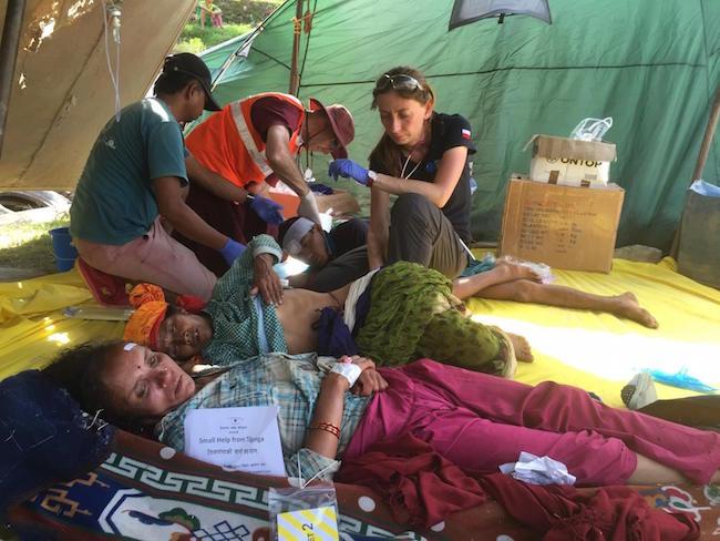 Nepal w oczekiwaniu na ewakuacje