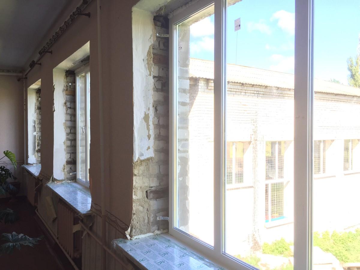 pcpm-wymienilo-okna-w-10-szkolach-we-wschodniej-ukrainie-fot-pawel-krawczyk